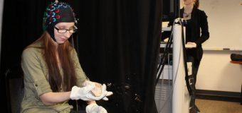 Imaging links toolmaking with human smarts
