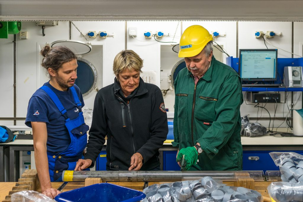 Researchers study samples in the RV METEOR lab
